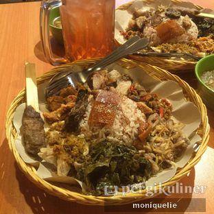 Foto - Makanan(Nasi Bigul Special) di Warung Babi Guling Ibu Ayu Komang oleh Monique @mooniquelie @foodinsnap
