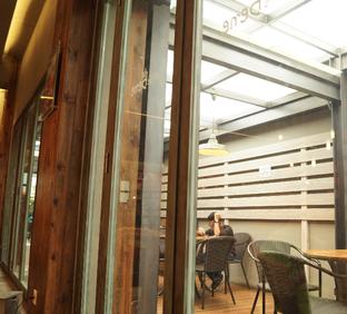 Foto 6 - Interior(alone) di Caffe Bene oleh Nurul Amalina