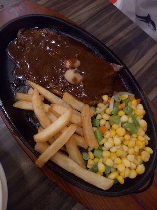 Foto 3 - Makanan di Steak 21 oleh Clangelita