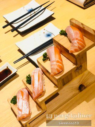 Foto 3 - Makanan(salmon sushi) di Sushi Hiro oleh Sienna Paramitha