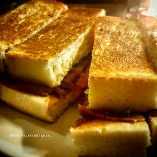 Foto - Makanan di Sandwich Bakar oleh BUKUmenuku