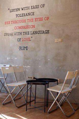 Foto 10 - Interior di Diskusi Kopi dan Ruang Berbagi oleh yudistira ishak abrar