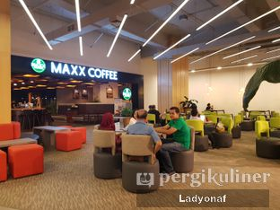 Foto 3 - Eksterior di Maxx Coffee oleh Ladyonaf @placetogoandeat
