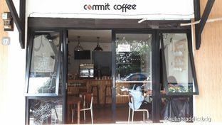 Foto 7 - Eksterior di Commit Coffee oleh doyan kopi