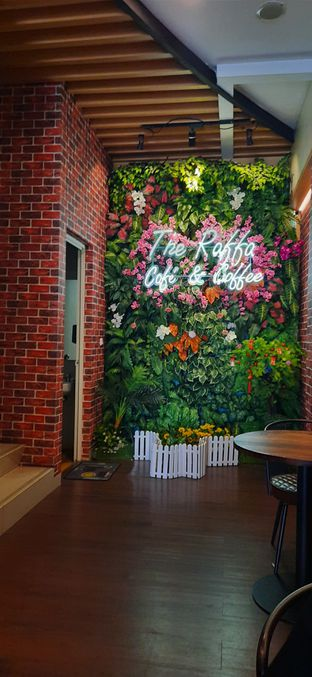 Foto 3 - Interior di Raffa Cafe & Coffee oleh Saya Laper