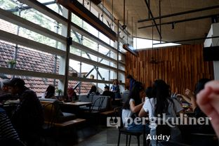 Foto 8 - Interior di One Eighty Coffee and Music oleh Audry Arifin @thehungrydentist