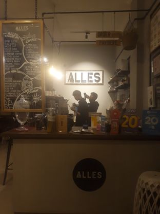 Foto review Alles Coffee & Eatery oleh Mouthgasm.jkt  4