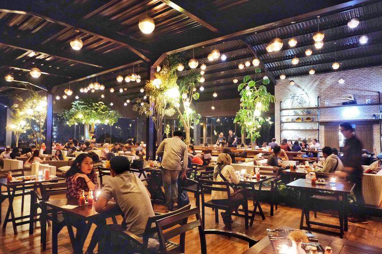Berbagai Hilltop Bar / Restoran Diatas Bukit Terbaik Di Kota & Kab Bandung