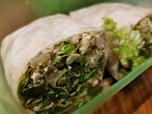 Foto 2 - Makanan di Crunchaus Salads oleh Amrinayu