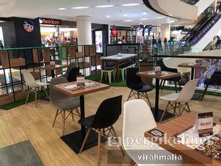 Foto 9 - Interior di Chocola Cafe oleh Delavira