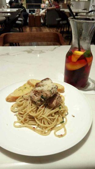 Foto - Makanan(Tuna Aglio Olio Spaghetti) di Lewis & Carroll Tea oleh YSfoodspottings