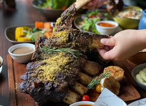 13 Restoran Halal di Senopati yang Enak dan Bikin Ketagihan
