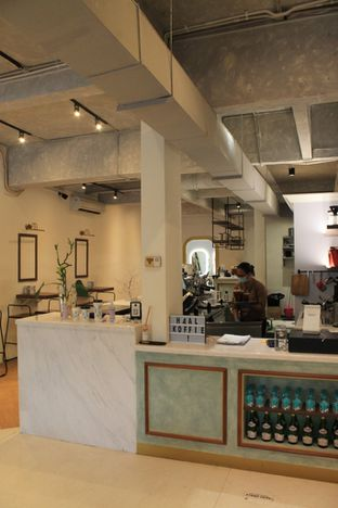 Foto review Living-Room Coffeehouse oleh Prido ZH 20