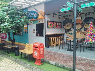 Foto review Chingu Korean Fan Cafe oleh Astrid Huang 4