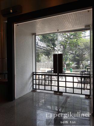 Foto 2 - Interior di 8th Bean Cafe oleh Selfi Tan