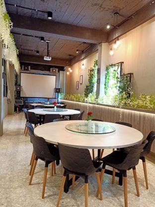 Foto 2 - Interior di Bun King Resto & Coffee oleh Tasty Kuliner