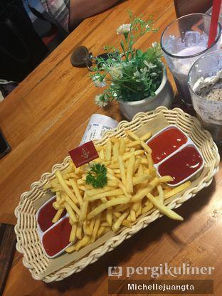 Foto review De Mandailing Cafe N Eatery oleh Michelle Juangta 5