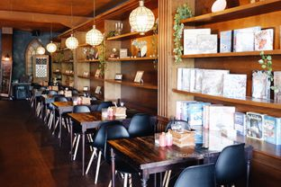 Foto 26 - Interior di TAB Take A Bite oleh Indra Mulia
