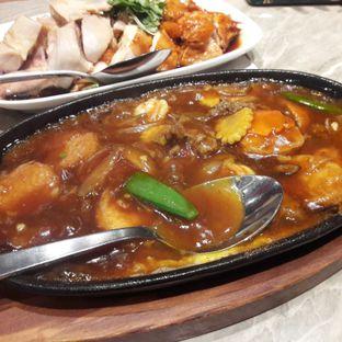 Foto 2 - Makanan di Wee Nam Kee oleh MWenadiBase