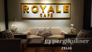 Foto review Royale Bakery Cafe oleh @teddyzelig  5