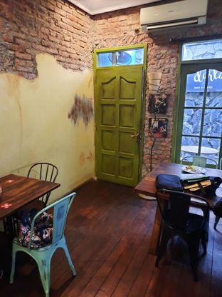 Foto 4 - Interior di Darling Habit Bake & Butter oleh @bondtastebuds