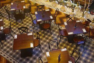 Foto 11 - Interior di Adamar Asian Bistro oleh yudistira ishak abrar