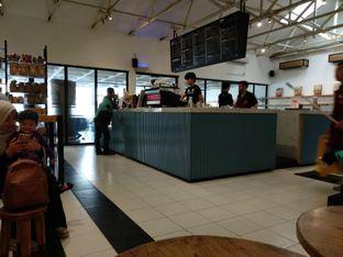Foto 3 - Interior di Anomali Coffee oleh Eunice