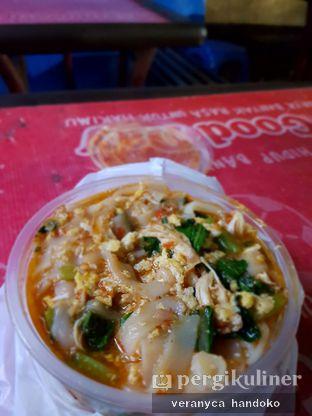 Foto 2 - Makanan(kebetulan menu yang dipesan selalu ini, tapi beda beda hari kok take nya) di Lumpia & Seblak Mang Iwan oleh Veranyca Handoko