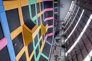 Foto 11 - Interior di Bounce Cafe oleh yudistira ishak abrar