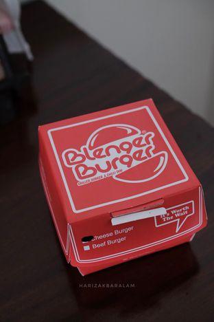 Foto 2 - Interior di Blenger Burger oleh harizakbaralam