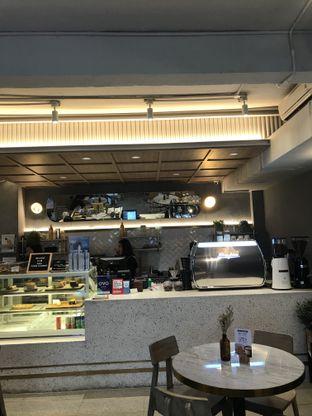 Foto 2 - Interior di Phos Coffee & Eatery oleh Stefanus Hendra