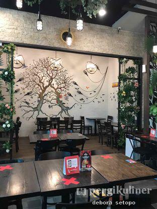 Foto 7 - Interior di Babochkaa Bistro & Coffee Bar oleh Debora Setopo