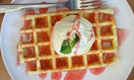 Many Pany Pancake & Waffle