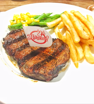 Foto - Makanan di Holycow! STEAKHOUSE by Chef Afit oleh Nerissa Arviana
