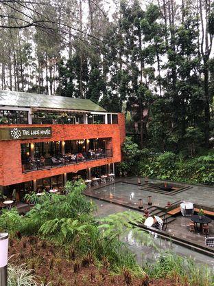Foto 1 - Eksterior di The Lake House - Pesona Alam Sedayu Hotel oleh @Perutmelars Andri