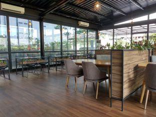 Foto 6 - Interior di Kaca Coffee & Eatery oleh Ika Nurhayati