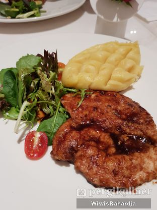 Foto 2 - Makanan di Lewis & Carroll Tea oleh Wiwis Rahardja