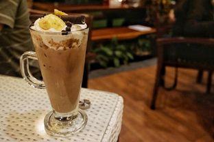 Foto 7 - Makanan(Creamy Banana Milkshake) di Skyline oleh Fadhlur Rohman