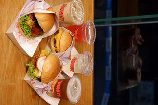Foto review Thirsty & Hungry oleh yudistira ishak abrar 13