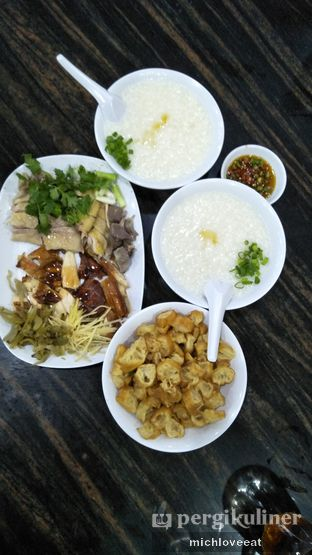 Foto 3 - Makanan di Bubur Ayam Mangga Besar 1 oleh Mich Love Eat