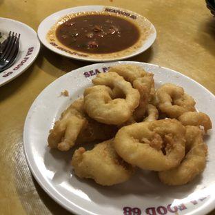 Foto 2 - Makanan(Cumi tepung + saus padang) di Seafood Santa 68 oleh Claudia @grownnotborn.id