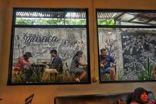 Foto 5 - Interior di Maraca Books and Coffee oleh Fadhlur Rohman