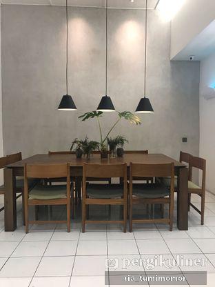 Foto 2 - Interior di Titik Temu Coffee oleh riamrt