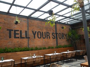 Foto review Two Stories oleh Herina Yunita 4