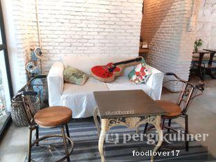 Foto 6 - Interior di Kaffeine Kline oleh Sillyoldbear.id
