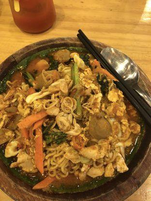 Foto 1 - Makanan(Indomie kampung) di Warung Wakaka oleh Loisa Veronica