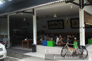 Foto 3 - Interior di Kedai Soto Ibu Rahayu oleh Kevin Leonardi @makancengli
