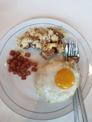 Foto 2 - Makanan(Babi Mozarella) di Gourmet Kitchen oleh Henny Adriani
