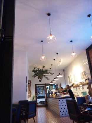 Foto 3 - Interior di Dimitree Coffee & Eatery oleh winda wijayanti