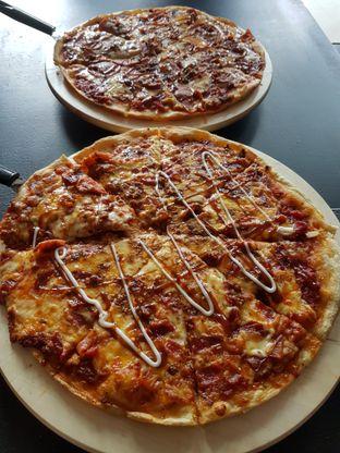 Foto 2 - Makanan di Monchitto Gourmet Pizza oleh Olivia